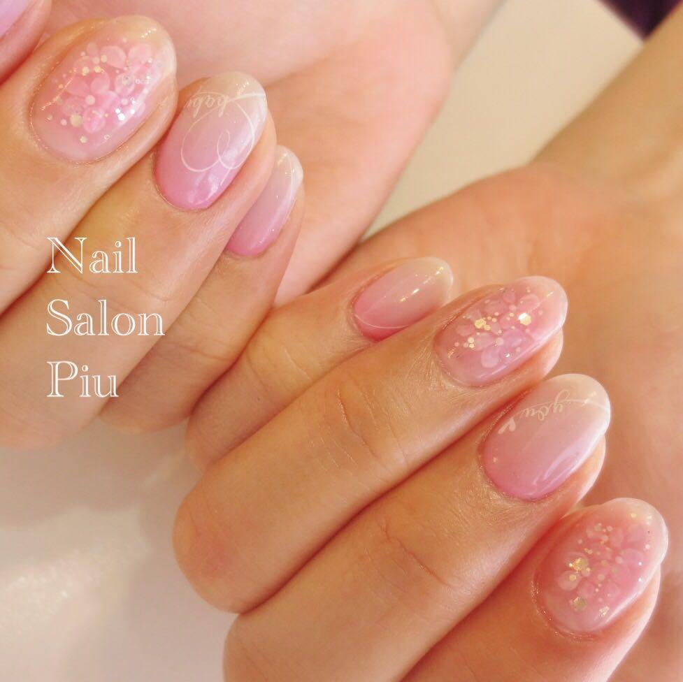 Nail Salon Piuさんの写真。テーマは『逆グラデーション、フラワーネイル、春ネイル、梅雨ネイル』