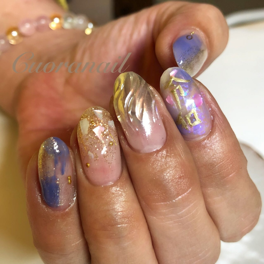 Cuoranailさんのネイルデザインの写真。テーマは『令和ネイル、ミラーネイル、シェルネイル、塗りかけネイル、マーブルネイル、ブルーネイル、ネイル、ジェルネイル、ネイルアート、nail、nails、nailstagram、nailart、naildesign、ネイルデザイン、帯広ネイルサロン、帯広ネイル、帯広、札内、幕別、音更、音更ネイルサロン、tokachi、hokkaido、おしゃれネイル』