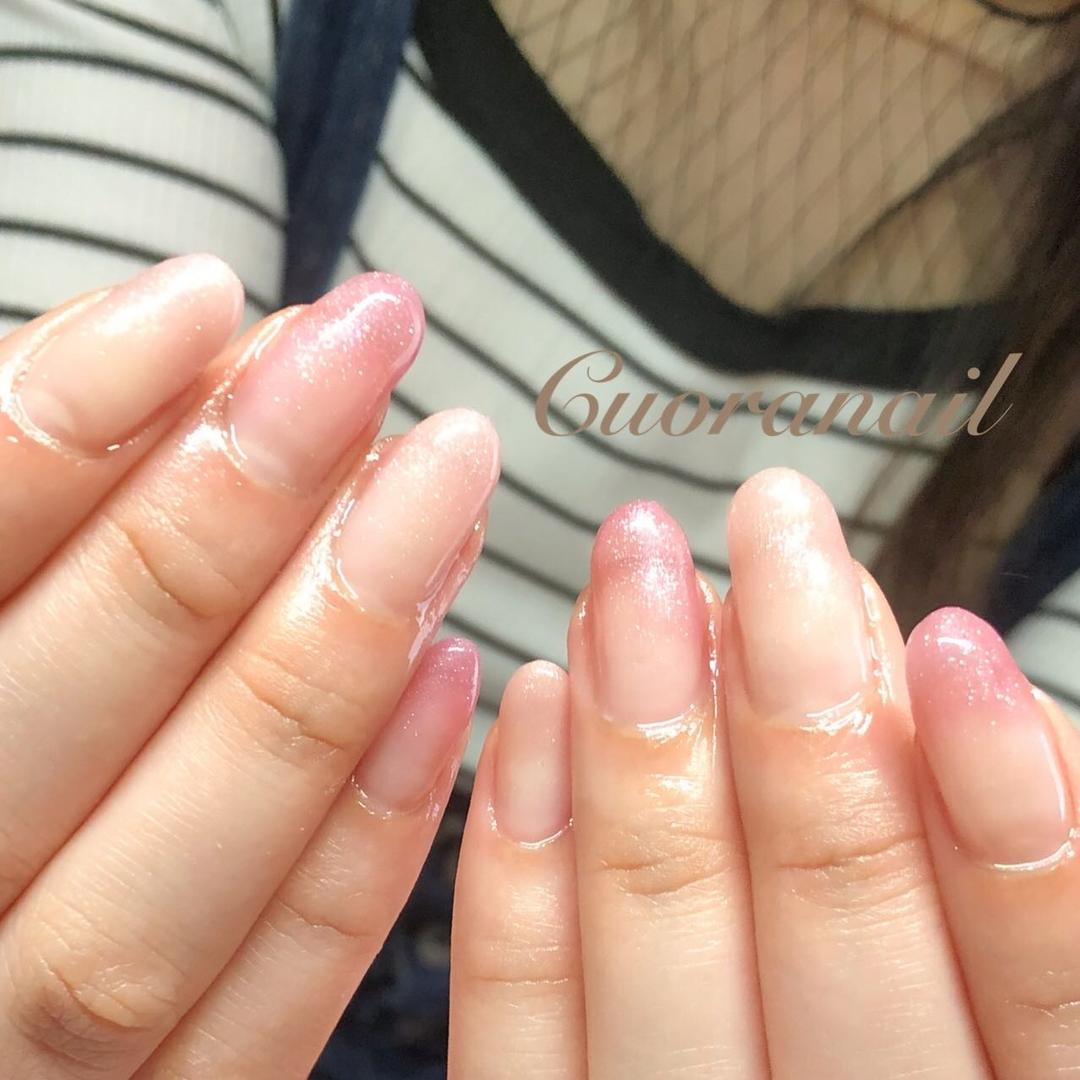 Cuoranailさんのネイルデザインの写真。テーマは『カラーグラデーションネイル、アイニティジェル、intygel、リッチパールコレクション、カラーグラデーション、オフィスネイル、ネイル、ネイルアート、ネイルデザイン、おしゃれネイル、キラキラグラデーション、キラキラネイル、キラキラ、フィルイン推奨サロン、nail、nails、nailstagram、nailart、naildesign、gelnails、帯広ネイルサロン、帯広ネイル、帯広、札内、幕別、音更、音更ネイルサロン』