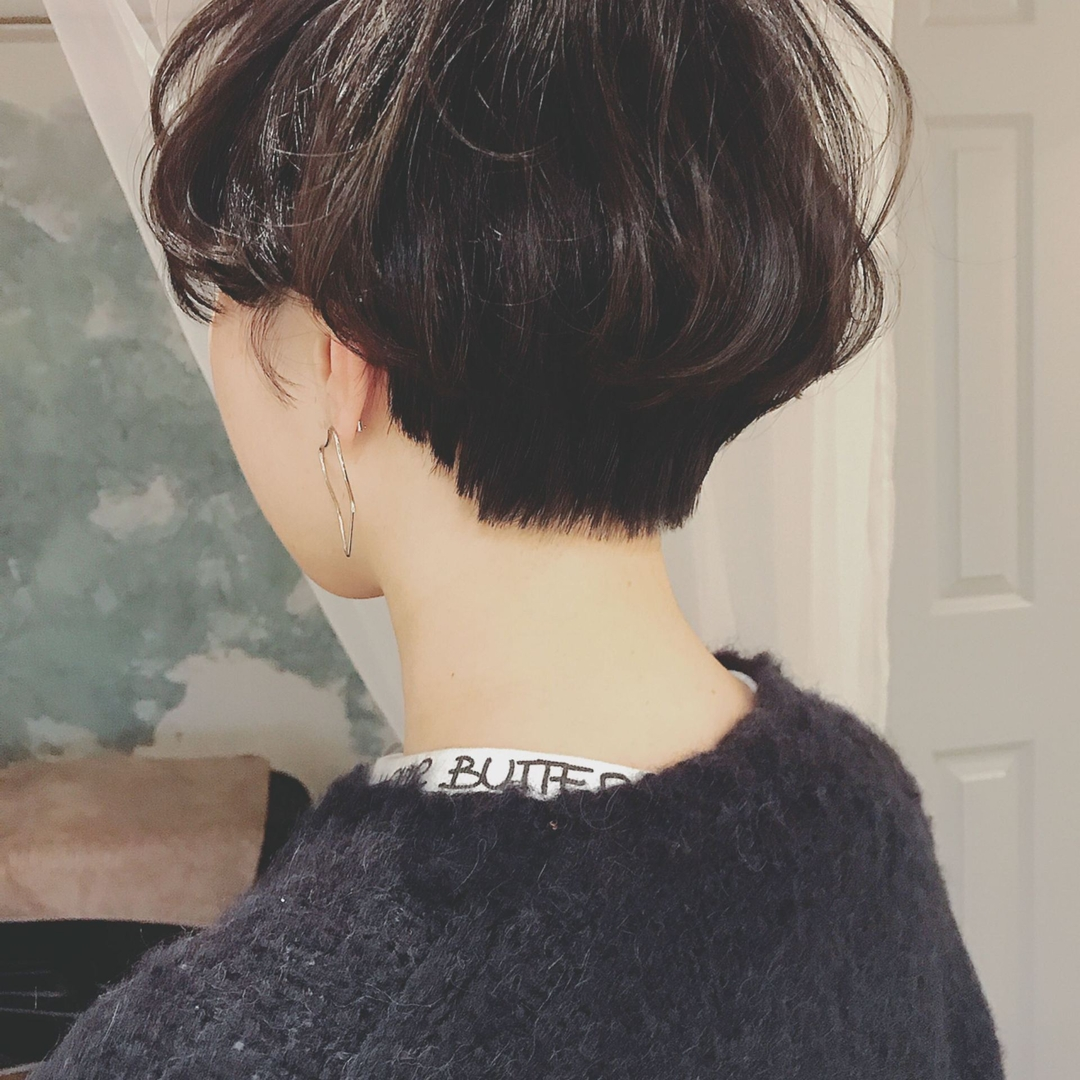 浦川 由起江さんのヘアスタイルの写真。テーマは『ショート、ハンサムショート、ハイライト、大人ショート、プライベートサロン、nanon』