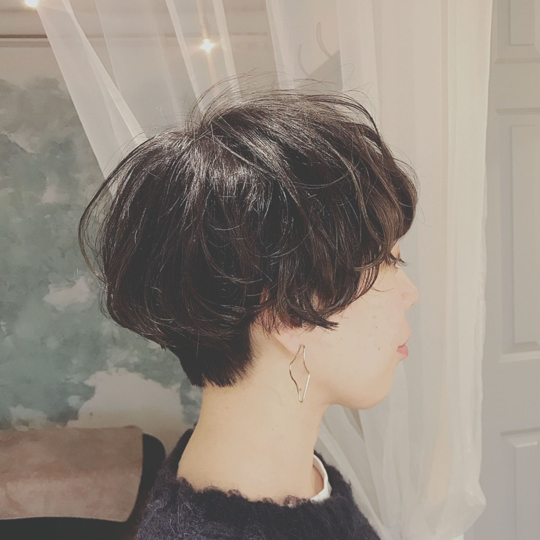 浦川 由起江さんのヘアスタイルの写真。テーマは『ハンサムショート、ショート、ヘアスタイル、ハイライト、プライベートサロン、nanon』