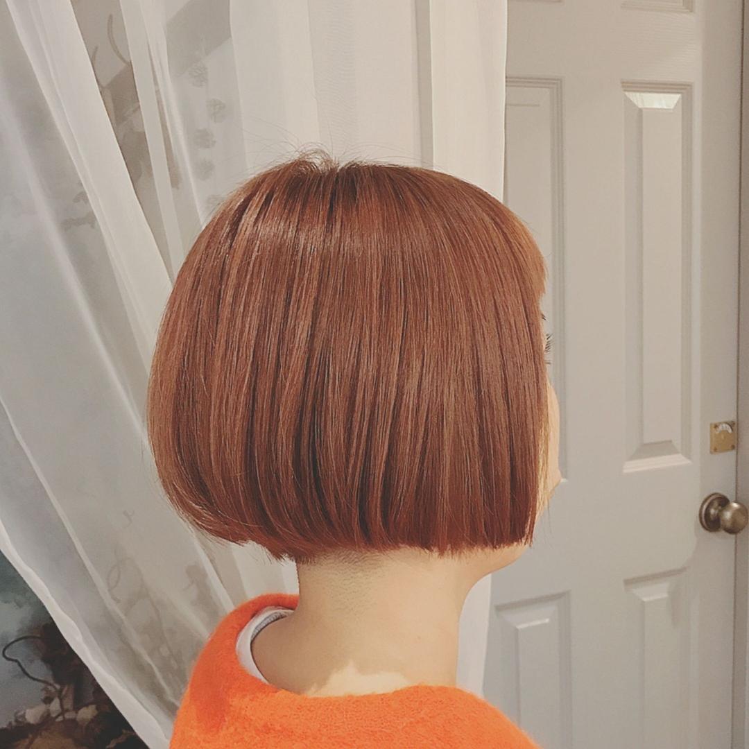 浦川 由起江さんのヘアスタイルの写真。テーマは『ミニボブ、アプリコットカラー、オレンジカラー、ボブ、ヘアスタイル、プライベートサロン、nanon』