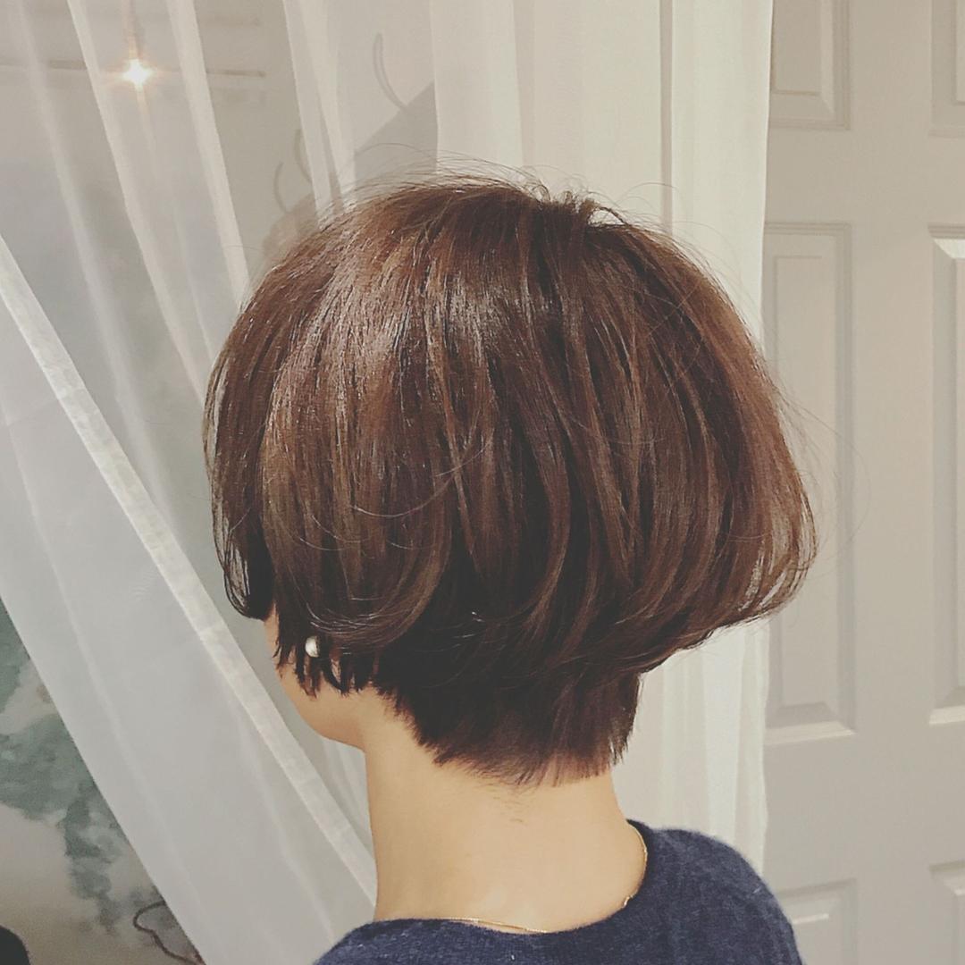 浦川 由起江さんのヘアスタイルの写真。テーマは『ショート、大人ショート、プライベートサロン、nanon』