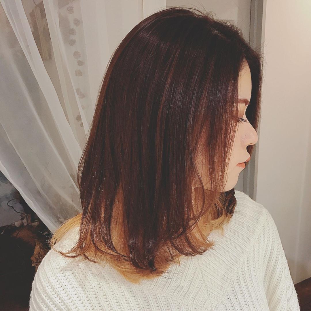 浦川 由起江さんのヘアスタイルの写真。テーマは『インナーカラー、ミディ、ヘアスタイル、外国人風カラー、ブリーチカラー、アプリコット』