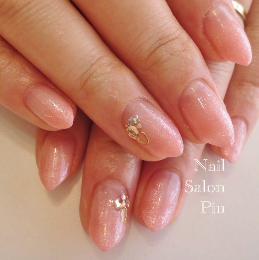 Nail Salon Piuさんの写真。テーマは『オフィスネイル、シンプルネイル、ピンクネイル』