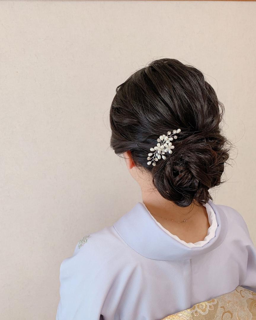 Moriyama  Mamiさんのヘアスタイルの写真。テーマは『ボブアレンジ、ボブヘアアレンジ、ミディアム、ミディアムアレンジ、大人スタイル、着物女子、福岡ヘアセット、天神、ヘアアレンジ、ヘアセット、お宮参り、Threekeys、スリーキーズ、着物、福岡ヘアサロン、レンタル着物、結婚式ヘアアレンジ、お茶会、花嫁、着付け、着物ヘア、和装ヘア、プレ花嫁、ヘアセット専門店、和装ヘアアレンジ、女子会、オトナ女子、着物レンタル、前撮り、結婚式お呼ばれヘア、早朝ヘアセット』