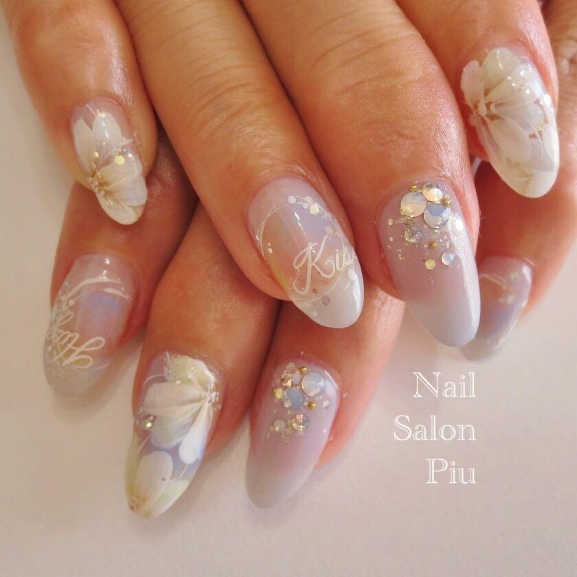 Nail Salon Piuさんの写真。テーマは『フラワーネイル、大人可愛いネイル、梅雨ネイル』
