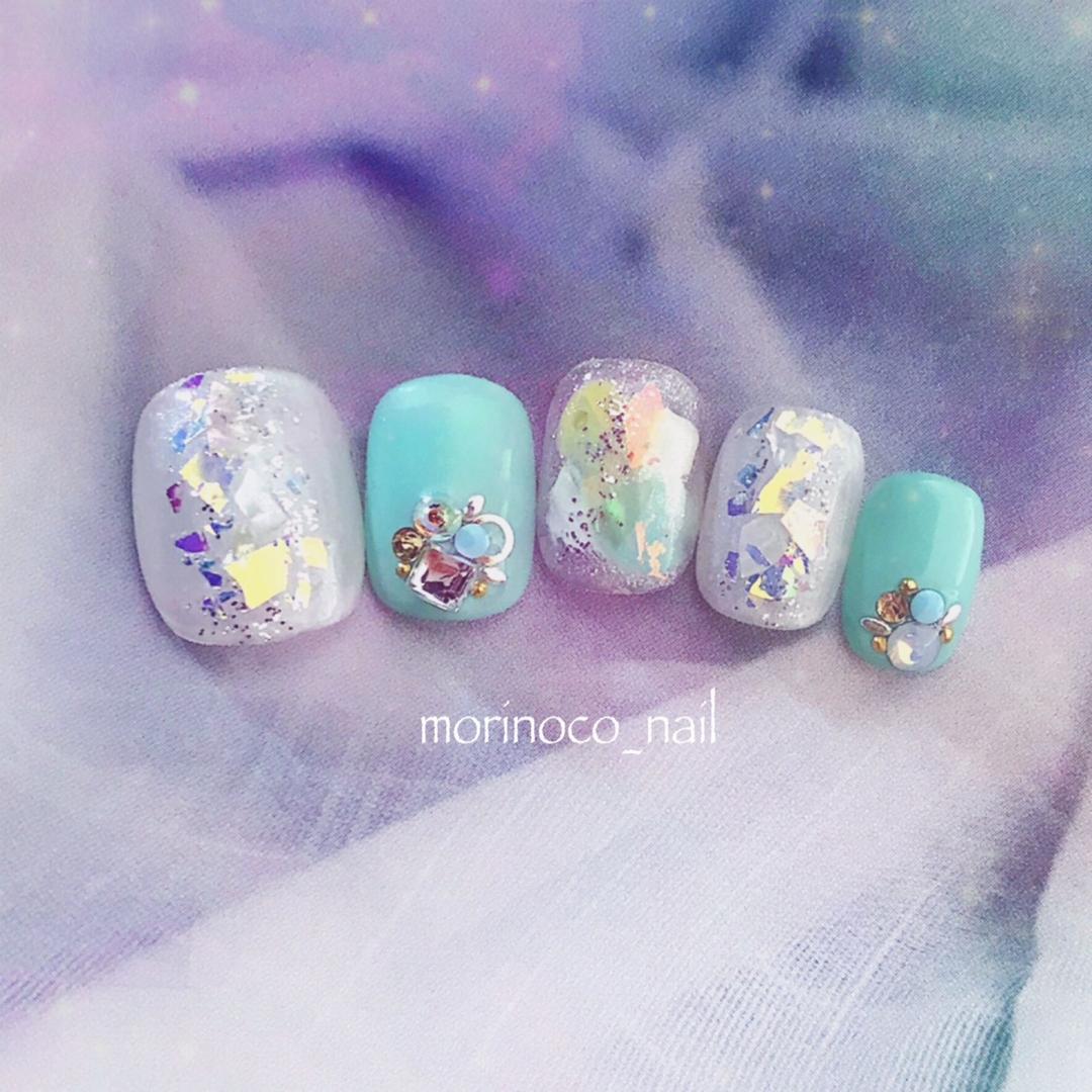 morinoco_nailさんのネイルデザインの写真。テーマは『梅雨ネイル、夏ネイル、クラッシュシェル、ネイル』