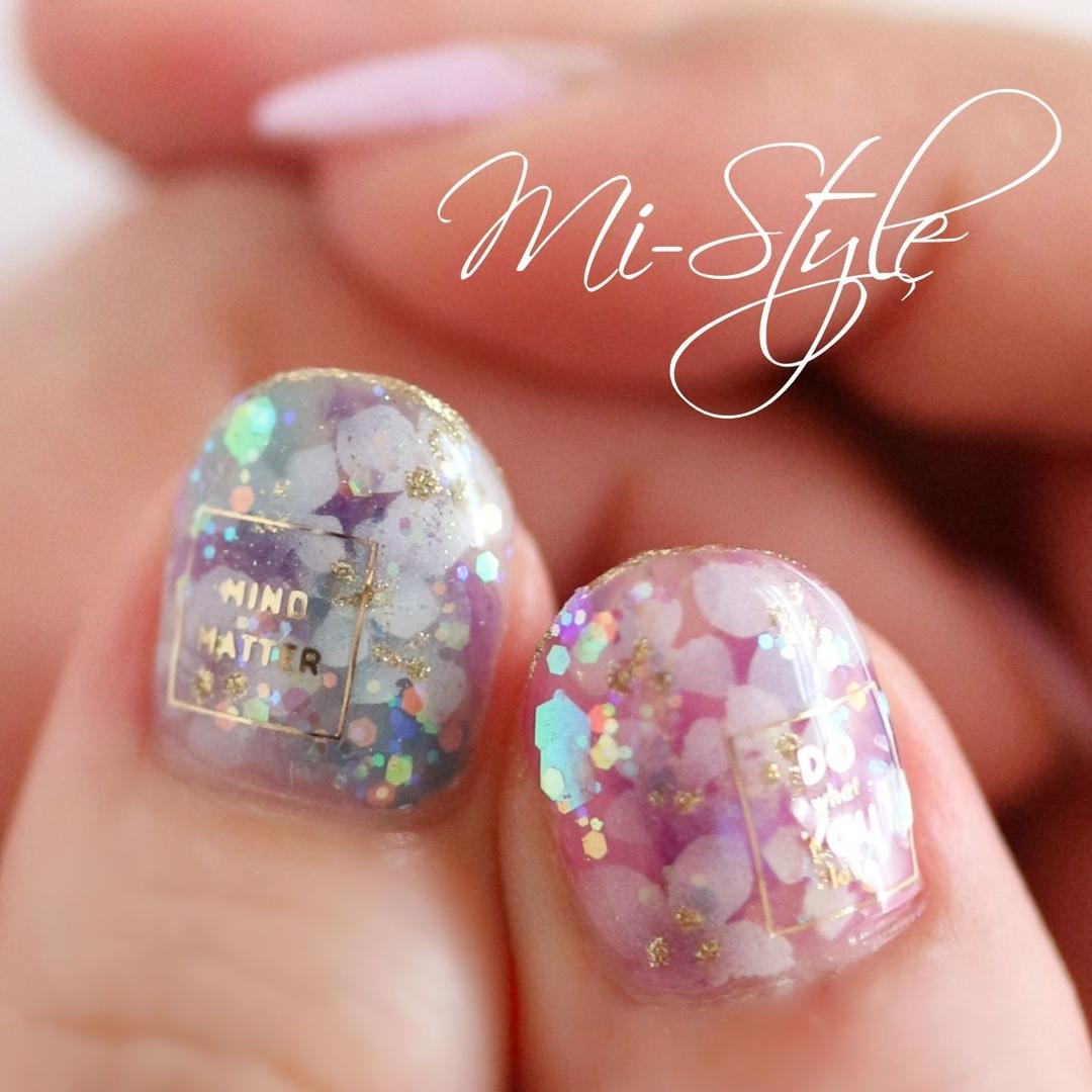 Mieko Hiramatsuさんのネイルデザインの写真。テーマは『ミースタイル、相模原ネイルサロン、淵野辺ネイルサロン、トロピカルネイル、紫陽花、あじさいネイル、梅雨ネイル、クリアネイル、フレンチネイル、フラワーネイル』