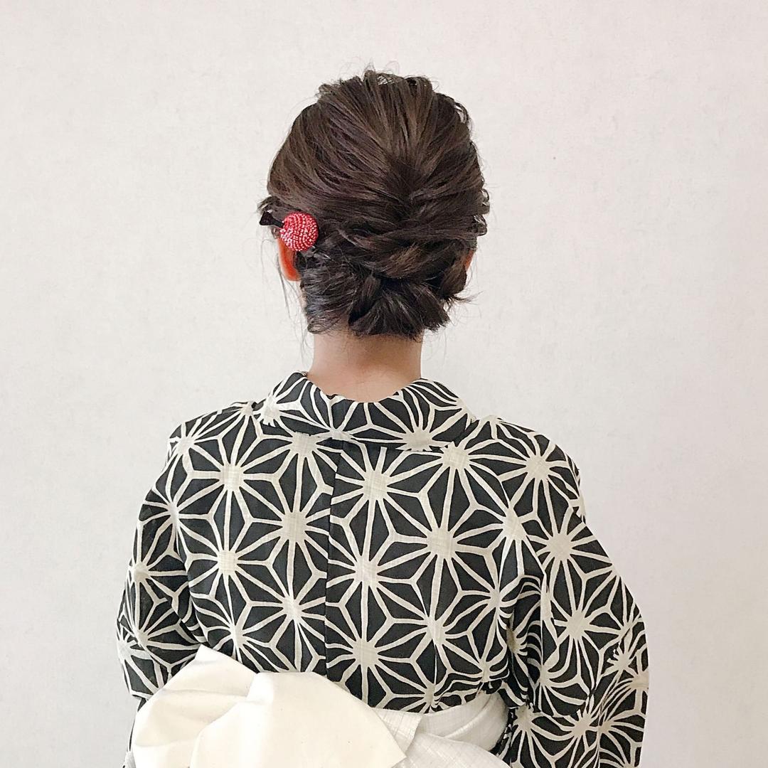 Moriyama  Mamiさんのヘアスタイルの写真。テーマは『浴衣、浴衣ヘア、浴衣ヘアアレンジ、ボブアレンジ、ボブヘアアレンジ、ミディアム、ミディアムアレンジ、大人スタイル、着物女子、福岡ヘアセット、天神、ヘアアレンジ、ヘアセット、Threekeys、スリーキーズ、着物、福岡ヘアサロン、結婚式ヘアアレンジ、ブライダルヘア、着付け、着物ヘア、和装ヘア、プレ花嫁、ヘアセット専門店、和装ヘアアレンジ、女子会、オトナ女子、着物レンタル、前撮り、結婚式お呼ばれヘア、早朝ヘアセット』