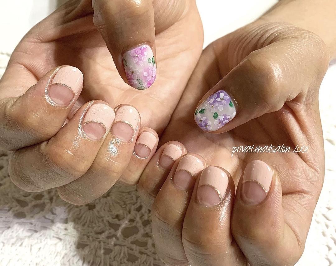 private nail salon Luce.さんのネイルデザインの写真。テーマは『💅🏻、nail、gelnail、nailist、nailart、大人ネイル、大人可愛い、たらしこみネイル、紫陽花、花、flower、nara、奈良、お家ネイル、自宅サロン、privatenailsalonLuce.、Nailbook、tredina、掲載、instanail、nailistagram、instagram、instalike、instagood』