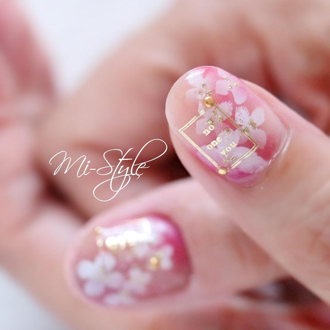 Mieko Hiramatsuさんのネイルデザインの写真。テーマは『相模原ネイルサロン、淵野辺ネイルサロン、ミースタイル、フレンチネイル、ピンクネイル、紫陽花ネイル、あじさいネイル、フラワーネイル、梅雨ネイル、クリアカラー』