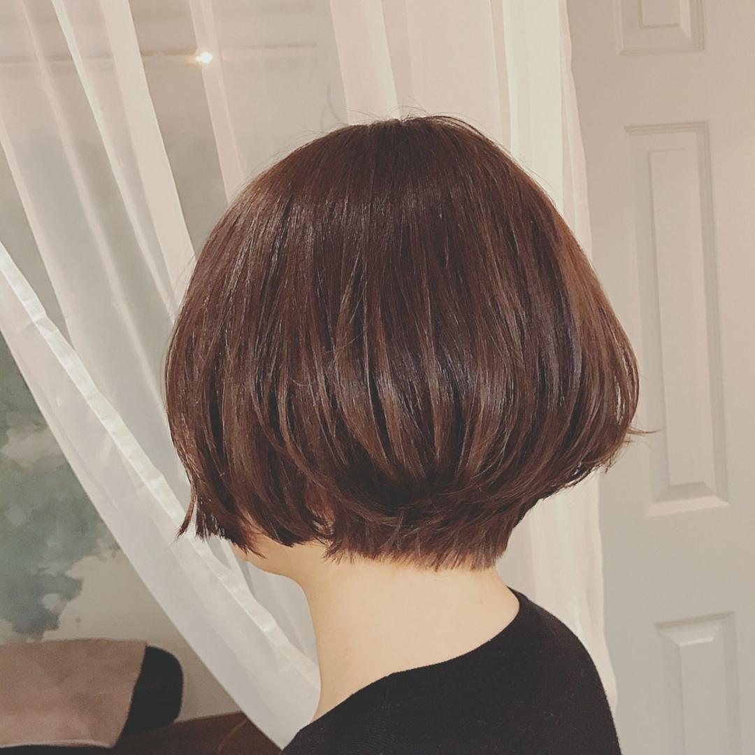 浦川 由起江さんのヘアスタイルの写真。テーマは『ショートボブ、ショート、大人ショート、アッシュブラウン、プライベートサロン、nanon』