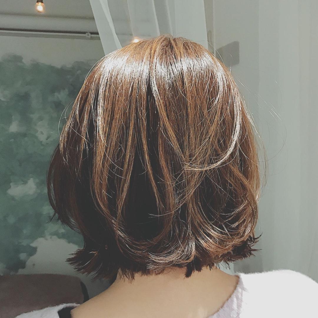 浦川 由起江さんのヘアスタイルの写真。テーマは『ひし形ボブ、ボブ、外ハネ、アッシュカラー、プライベートサロン、nanon』