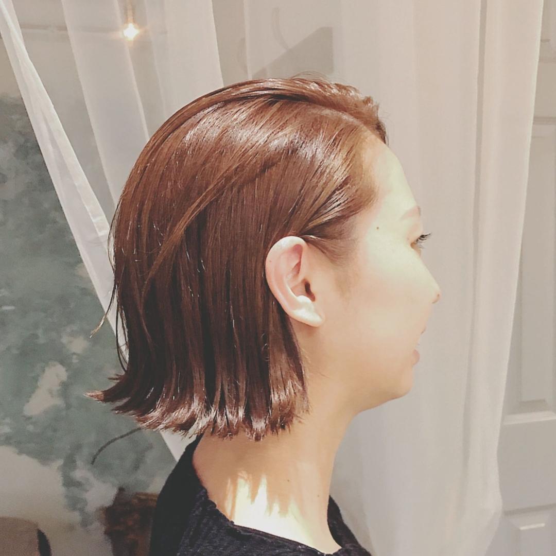 浦川 由起江さんのヘアスタイルの写真。テーマは『ボブ、外ハネ、アッシュブラウン、耳かけボブ、プライベートサロン、nanon』