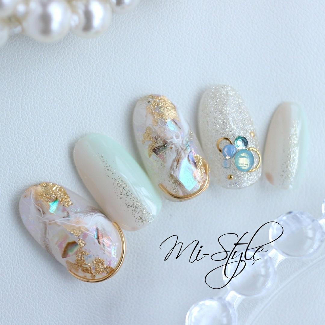 Mieko Hiramatsuさんのネイルデザインの写真。テーマは『ミースタイル、淵野辺ネイルサロン、相模原ネイルサロン、シェルネイル、ブルーネイル、大理石ネイル、ホワイトネイル、夏ネイル、ニュアンスネイル、エスニックネイル』
