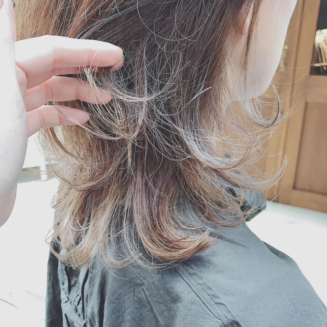 浦川 由起江さんのヘアスタイルの写真。テーマは『グラデーションカラー、シルバーアッシュ、ウルフ、ネオウルフ、ケアブリーチ、スロウカラー、外国人風カラー、プライベートサロン、nanon』