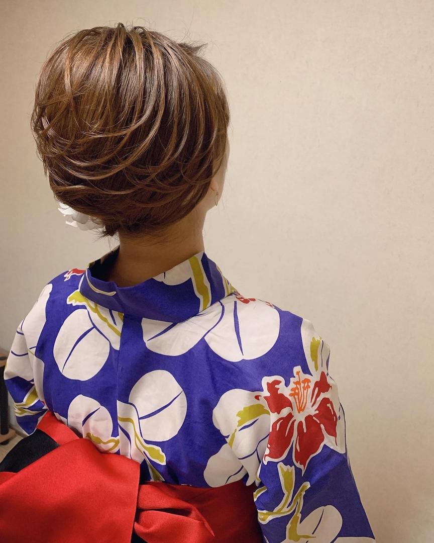 Moriyama  Mamiさんのヘアスタイルの写真。テーマは『ボブアレンジ、ボブヘアアレンジ、ミディアム、ミディアムアレンジ、大人スタイル、浴衣ヘア、福岡ヘアセット、天神、ヘアアレンジ、ヘアセット、アップスタイル、Threekeys、スリーキーズ、着物、福岡ヘアサロン、結婚式ヘアアレンジ、ブライダルヘア、花嫁、浴衣着付け、着物ヘア、和装ヘア、プレ花嫁、ヘアセット専門店、和装ヘアアレンジ、浴衣ヘアアレンジ、オトナ女子、着物レンタル、前撮り、結婚式お呼ばれヘア、早朝ヘアセット』