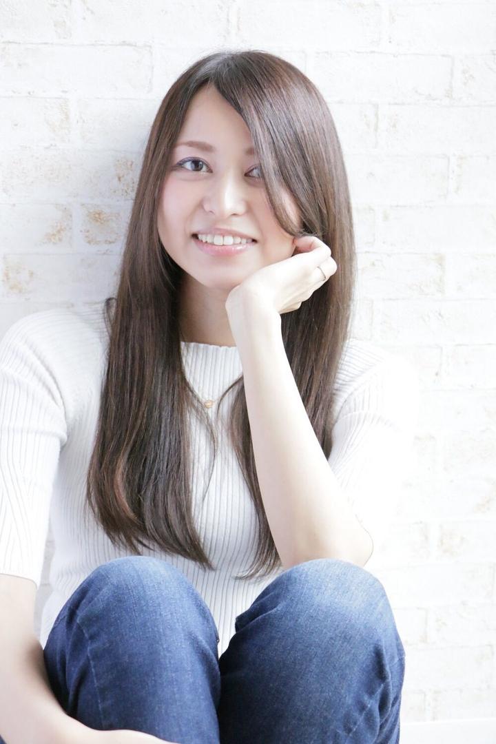 角 大輔さんのヘアスタイルの写真。テーマは『艶髪、ロング、ストレートスタイル、カット、カラー、福岡、天神、大名、LINKHAIRDESIGN』