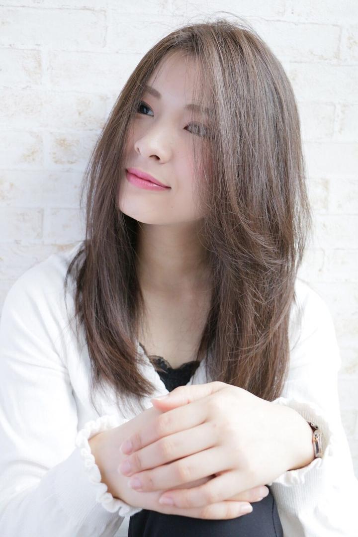 角 大輔さんのヘアスタイルの写真。テーマは『艶髪、ロング、美髪、カット、カラー、福岡、天神、大名、LINKHAIRDESIGN』