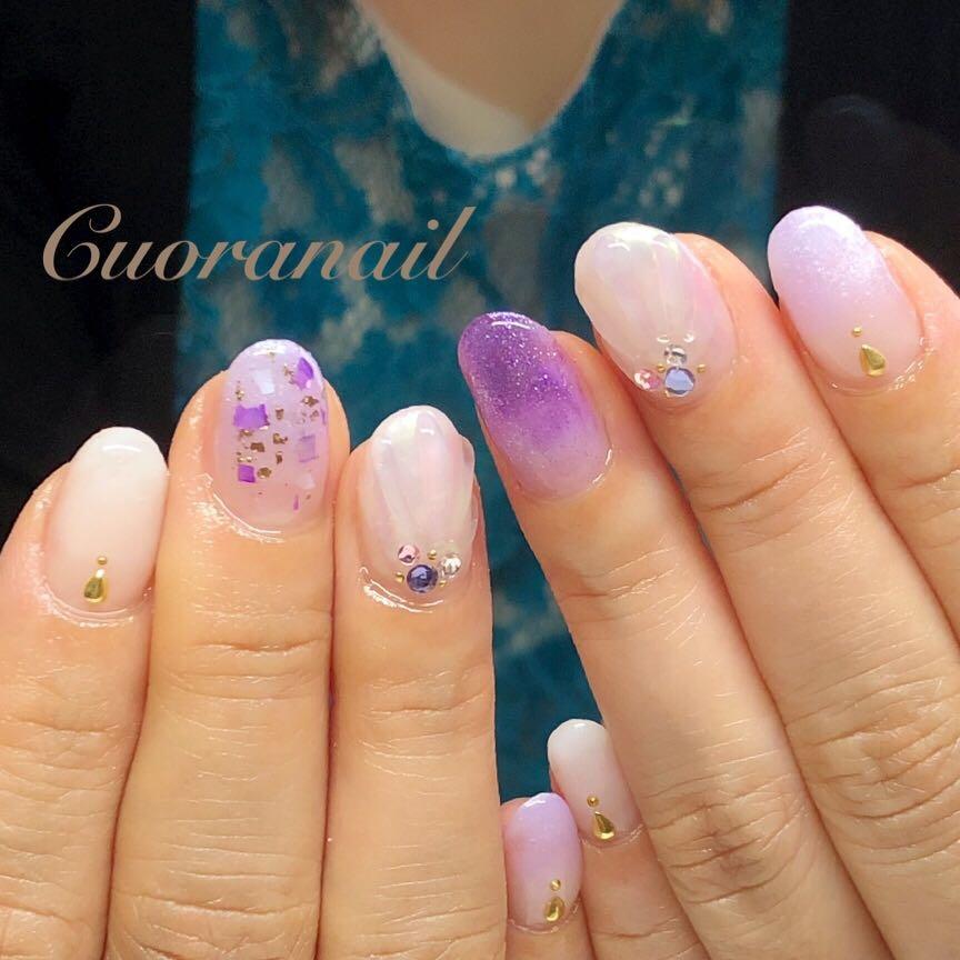 Cuoranailさんのネイルデザインの写真。テーマは『グラデーションネイル、キラキラネイル、夏ネイル、サマーネイル、パープルネイル、ネイル、ネイルアート、ネイルデザイン、nail、nails、nailart、nailstagram、naildesign、帯広ネイルサロン、帯広ネイル、帯広、札内、幕別、音更、音更ネイルサロン、obihiro、tokachi、hokkaido、おしゃれネイル、人魚の鱗ネイル、大人かわいいネイル、グラデーション』