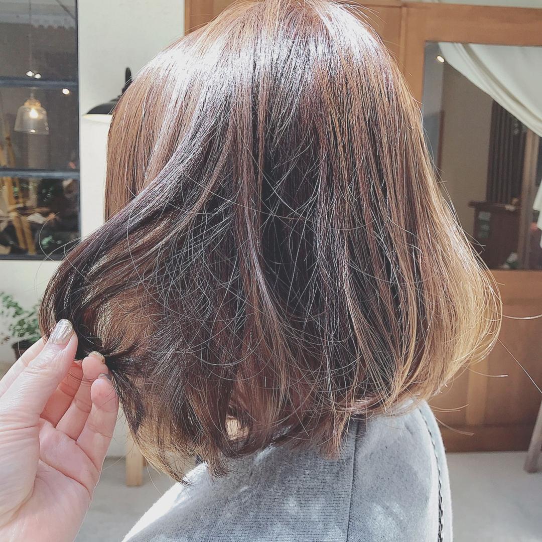 浦川 由起江さんのヘアスタイルの写真。テーマは『ナチュラルハイライト、ハイライト、ボブ、アッシュ、外国人風カラー、ケアブリーチ、プライベートサロン、nanon』