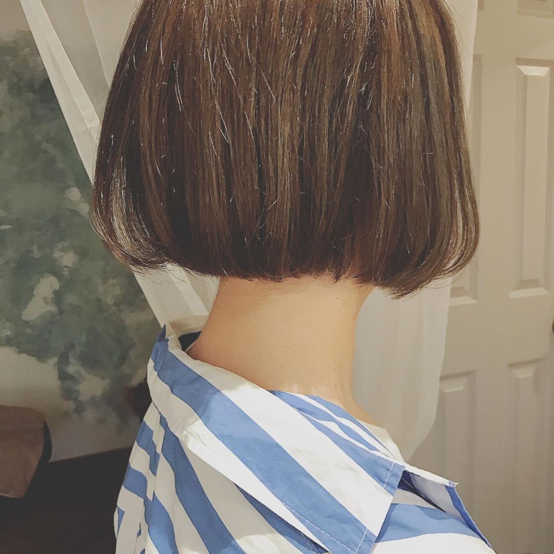 浦川 由起江さんのヘアスタイルの写真。テーマは『顎ラインボブ、フレンチボブ、マットグレージュ、ハイライト、外国人風カラー、スロウカラー、プライベートサロン、nanon』