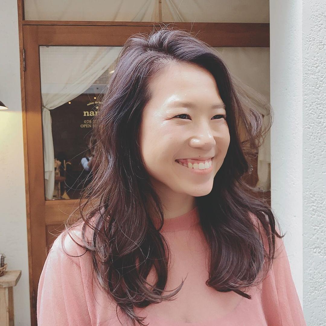 浦川 由起江さんのヘアスタイルの写真。テーマは『ロングヘア、外国人風カラー、ケアブリーチ、ハイライト、バイオレットアッシュ、プライベートサロン、nanon』