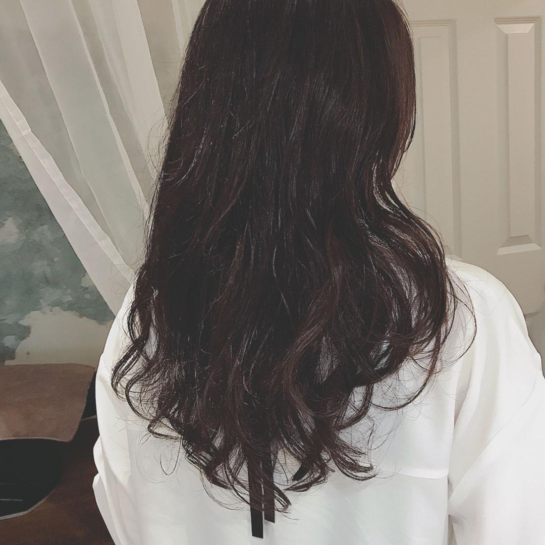 浦川 由起江さんのヘアスタイルの写真。テーマは『ロングヘア、デジタルパーマ、ゆるふわロング、プライベートサロン、nanon』