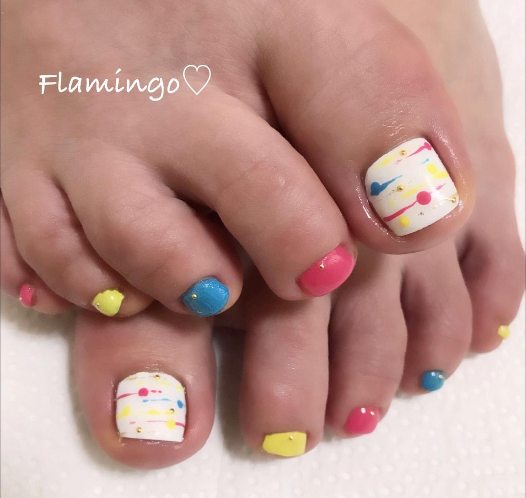Flamingo♡さんのネイルデザインの写真。テーマは『ネイル、ジェル、ワンカラー、シンプルネイル、ヨーヨーネイル、キラキラネイル、カラフルネイル、夏ネイル、トレンドネイル、越谷、越谷ネイルサロン』