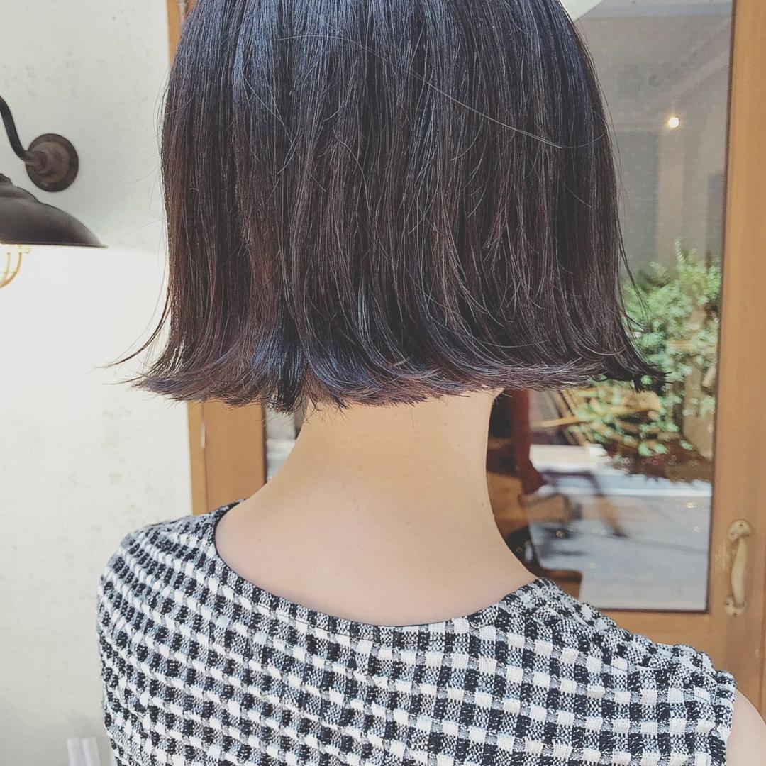 浦川 由起江さんのヘアスタイルの写真。テーマは『切りっぱなしボブ、ボブ、外ハネ、ハイライト、ダークアッシュ、プライベートサロン、nanon』