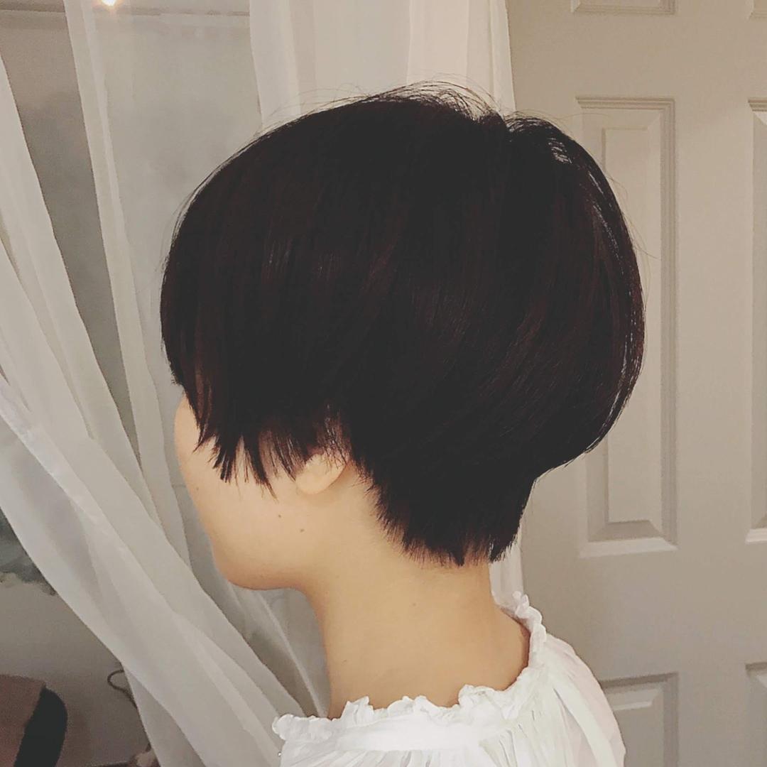 浦川 由起江さんのヘアスタイルの写真。テーマは『黒髪ショート、ショート、プライベートサロン、nanon』
