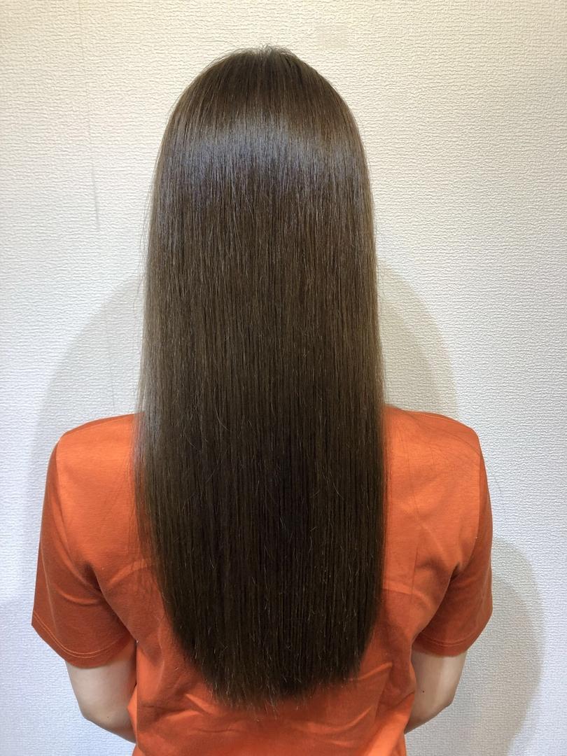 青木則竹さんのヘアスタイルの写真。テーマは『髪質改善、ロング、ハイライト、ハイライトカラー、外国人風、外国人風カラー、ヘアカラー、ミルクティーベージュ、アッシュグレージュ、バイオレット、ホワイト、トレンド、アディクシー、美容師、美容室、大阪、トリートメント』