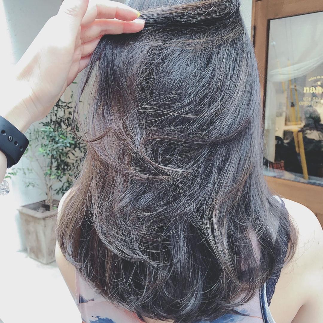 浦川 由起江さんのヘアスタイルの写真。テーマは『スペシャルハイライト、ハイライト、アッシュグレー、スロウカラー、ケアブリーチ、プライベートサロン、nanon』