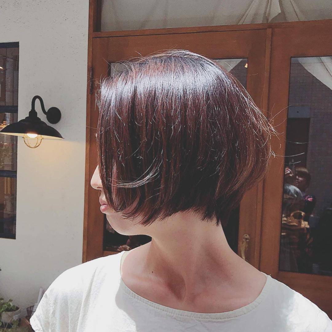 浦川 由起江さんのヘアスタイルの写真。テーマは『ショートボブ、ショートヘア、大人ショート、アッシュブラウン、プライベートサロン、nanon』
