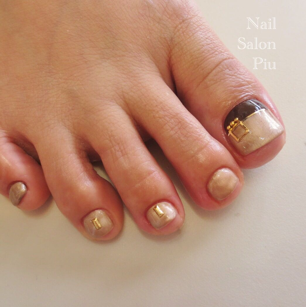 Nail Salon Piuさんの写真。テーマは『フットネイル、フット、秋ネイル、大人ネイル、シンプルネイル』