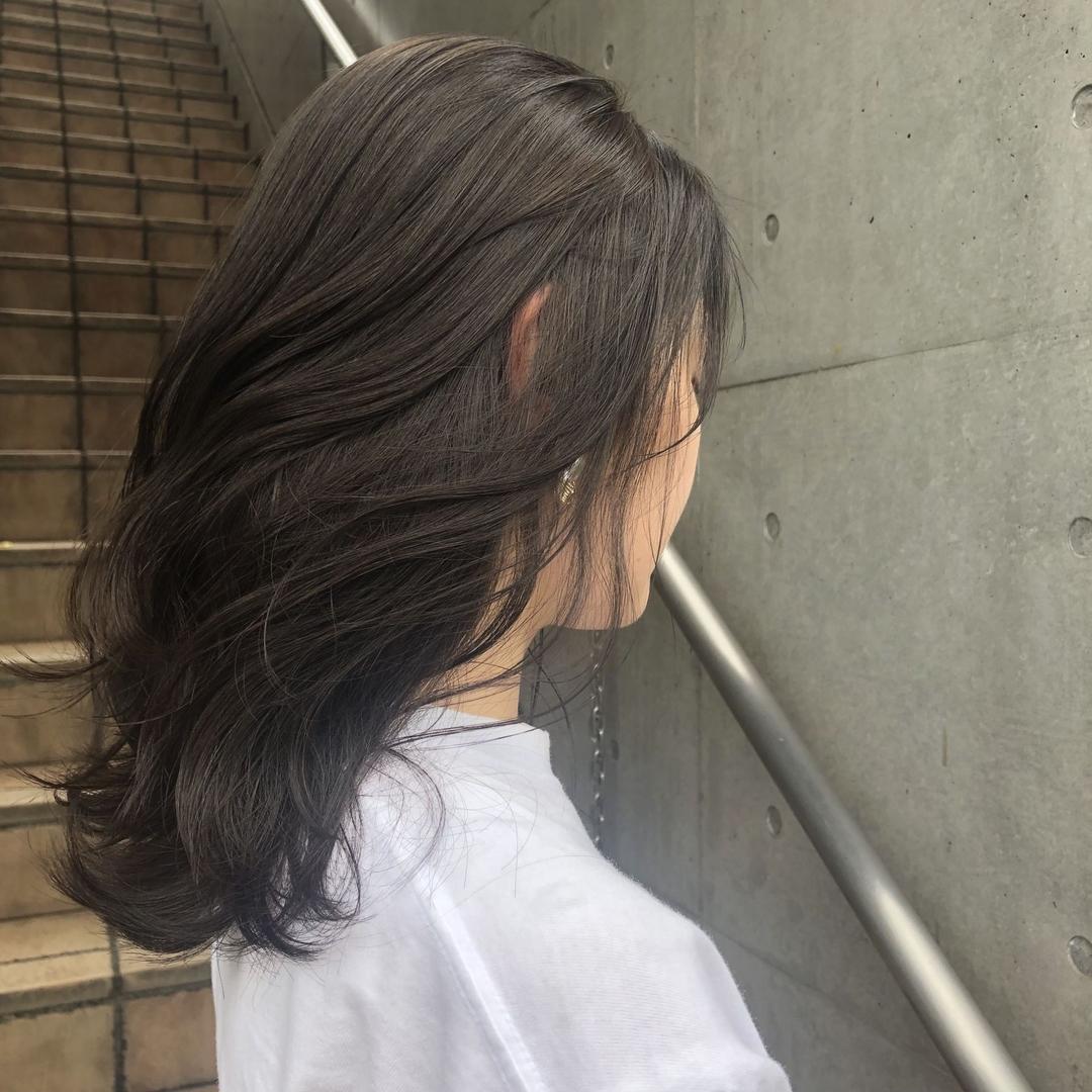 Maa Kasaiさんのヘアスタイルの写真。テーマは『美容師、美容、原宿、表参道、髪型、ヘアスタイル、ヘアカラー、ハイトーンカラー、ブリーチカラー、ベージュカラー、ミルクティーベージュ、ウェーブセット、ダブルカラー、切りっぱなしボブ、タンバルモリ、ショートカット、ボブヘア、簡単スタイリング、韓国風、ヘアケア、ダークアッシュ、暗カラー、ダークグレージュ』