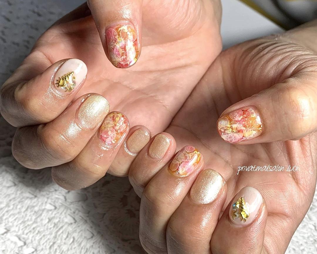 private nail salon Luce.さんのネイルデザインの写真。テーマは『nailswag、nails2inspire、nailsofinstagram、summernails、ブリーディングインク、水玉、艶、💅🏻、nail、gelnail、nailist、nailart、naildesign、お客様ネイル、nara、奈良県、奈良ネイルサロン、お家ネイル、自宅サロン、privatenailsalonLuce.、Nailbook、tredina、掲載、instagram、instanail、nailistagram、instalike、instagood、nails2019』