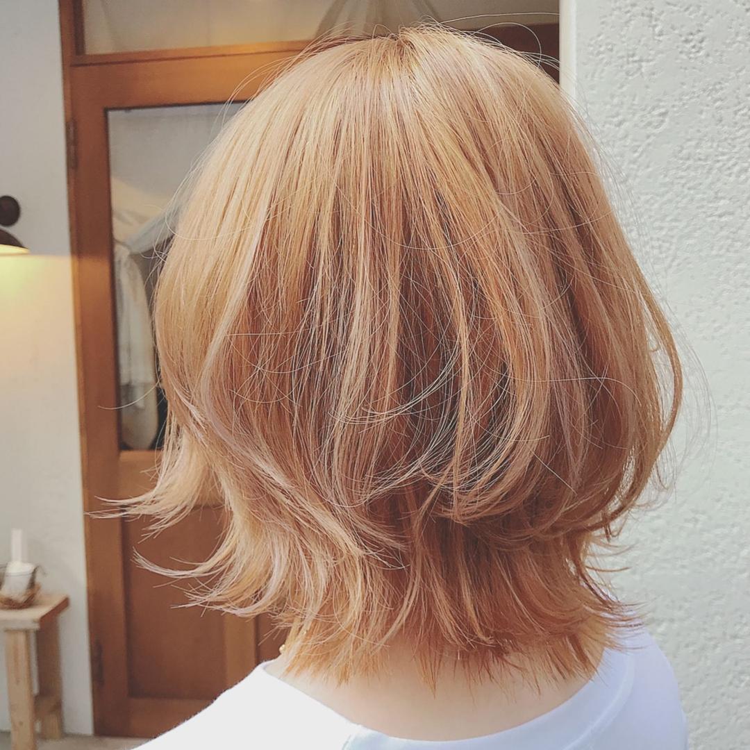 浦川 由起江さんのヘアスタイルの写真。テーマは『ハニーベージュ、ブリーチカラー、トリプルカラー、ひし形、外ハネ、プライベートサロン、nanon』