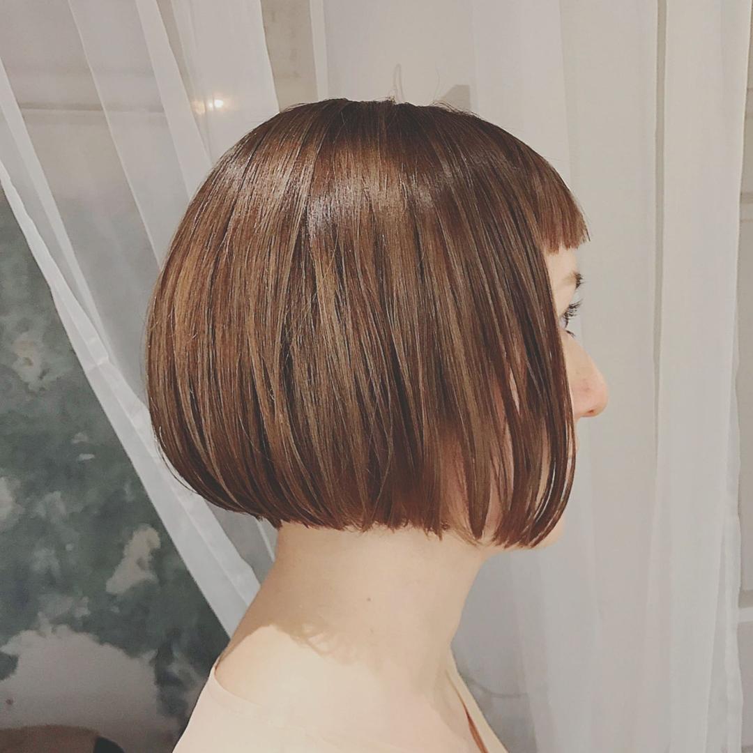 浦川 由起江さんのヘアスタイルの写真。テーマは『フレンチボブ、ミニボブ、ボブ、グラデーションカラー、ハイライト、アッシュベージュ、プライベートサロン、nanon、外国人風カラー』