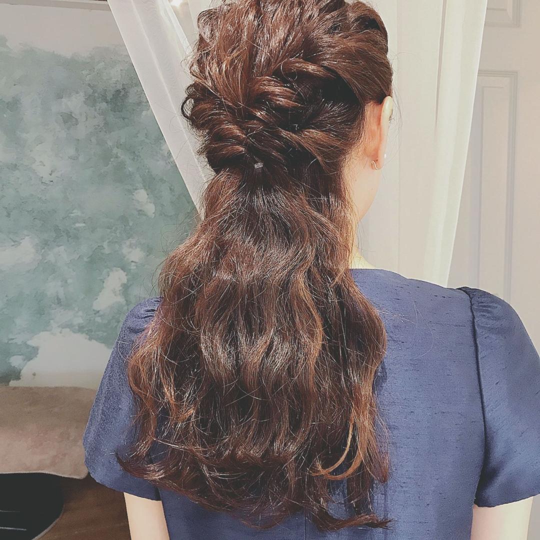 浦川 由起江さんのヘアスタイルの写真。テーマは『ヘアアレンジ、ハーフアップ、プライベートサロン、nanon』