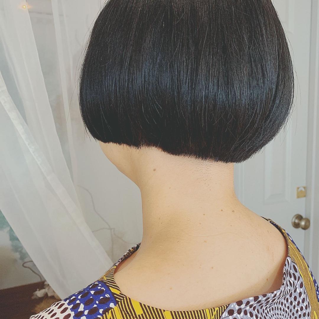 浦川 由起江さんのヘアスタイルの写真。テーマは『マッシュ、マッシュボブ、黒髪ショート、ボブ、プライベートサロン、nanon』