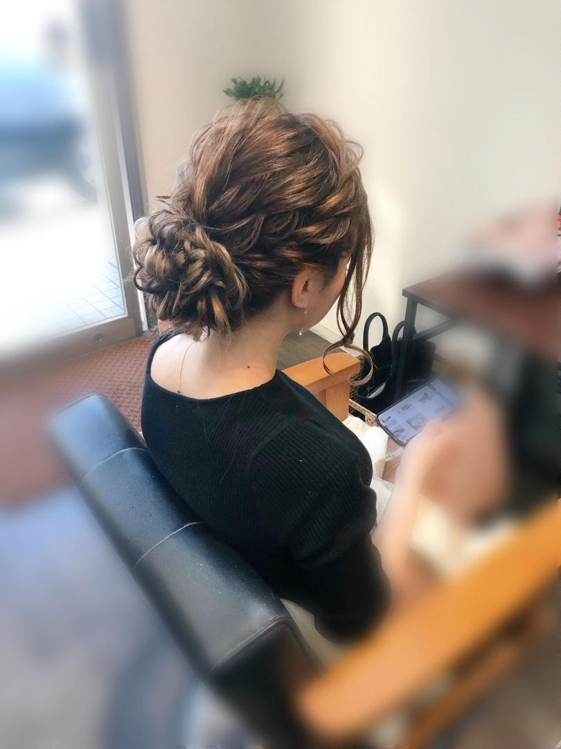 平原さんのヘアスタイルの写真。テーマは『宮崎市ヘアセット、宮崎市、ヘアセット専門店、セットサロン、ヘアセット、ヘアアレンジ、アップ、アップアレンジ、宮崎ヘアセット、およばれヘア、宮崎セット、結婚式ヘアアレンジ、結婚式ヘア、アップヘア、アレンジ、宮崎、hair、hairset、hairstyle、hairarrange、宮崎県、宮崎市STELLA、宮崎市美容室、宮崎市セット、宮崎市ステラ、アップヘアアレンジ、振袖ヘア、ねじりアレンジ』
