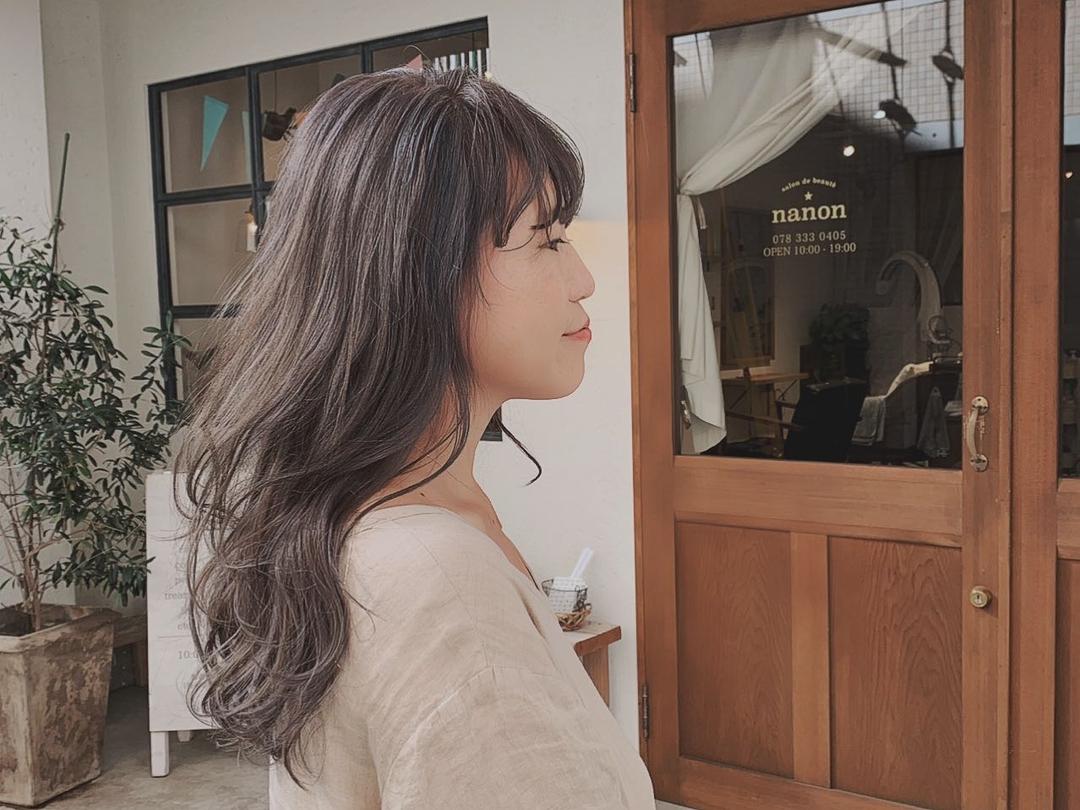 浦川 由起江さんのヘアスタイルの写真。テーマは『バイオレットアッシュ、アッシュグレージュ、ハイライト、外国人カラー、ロングヘア、プライベートサロン、nanon』