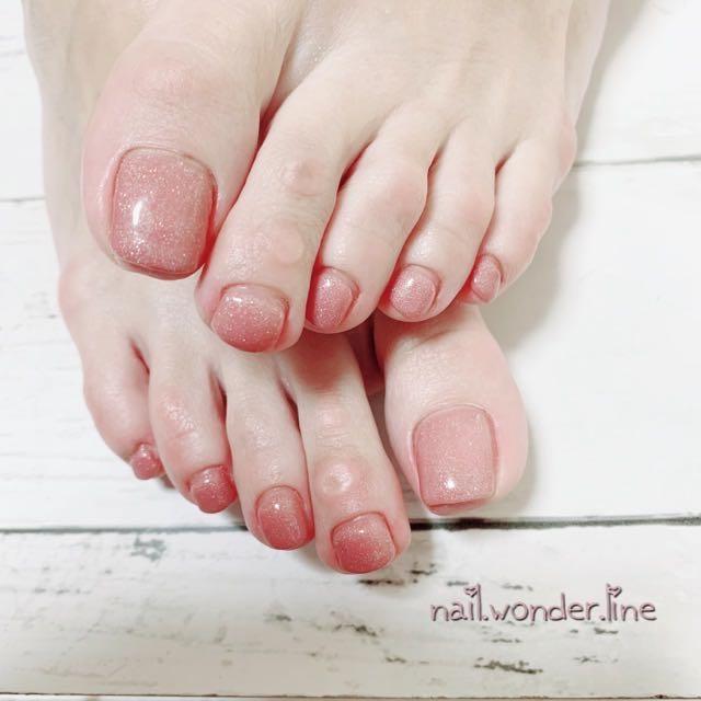 nail.wonder.lineさんのネイルデザインの写真。テーマは『シンプル、フット、フットネイル、ワンカラー、美肌、美肌色、agehagel、ヌーディーネイル、オールシーズン、nailbook、ネイルブック、myreco、静岡、沼津、沼津ネイルサロン、ネイルサロンワンダーライン』