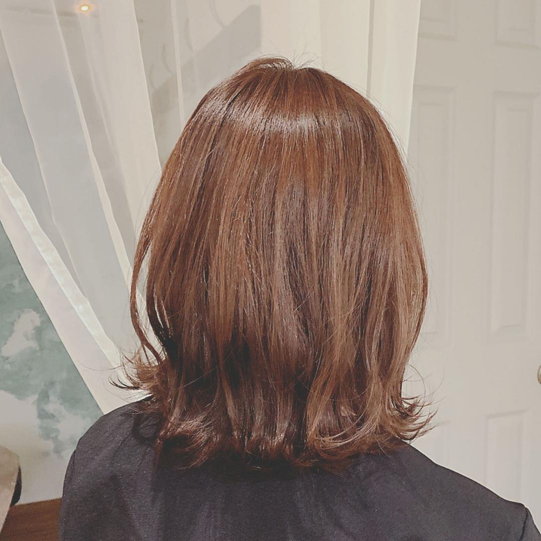 浦川 由起江さんのヘアスタイルの写真。テーマは『外ハネミディ、ピンクアッシュ、ボブ、ミディ、プライベートサロン、nanon』