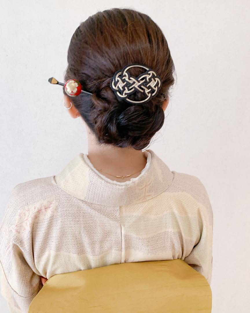 Moriyama  Mamiさんのヘアスタイルの写真。テーマは『福岡ヘアセット、天神、ヘアアレンジ、ヘアセット、Threekeys、スリーキーズ、着物、九州場所、福岡結婚式、結婚式、親族衣装、着付け、着物ヘア、和装ヘア、プレ花嫁、ヘアセット専門店、和装ヘアアレンジ、訪問着ヘア、オトナ女子、着物レンタル、結納、前撮り、お呼ばれヘア、結婚式お呼ばれ、シニヨンアレンジ、面スタイル、艶、留袖、振袖ヘア、相撲女子』