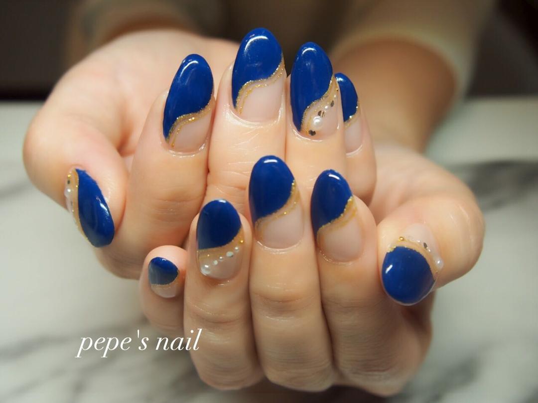 pepe's nailさんのネイルデザインの写真。テーマは『pepesnail、nail、nailart、nailstagram、gelnail、nails、paragel、ageha、agehagel、pregel、pregelmuse、vetro、bellaforma、handnail、ネイル、ネイルアート、オフィスネイル、フレンチネイル、変形フレンチ、秋ネイル、ハンドネイル、自宅ネイル、大分市ネイル、大分市森』