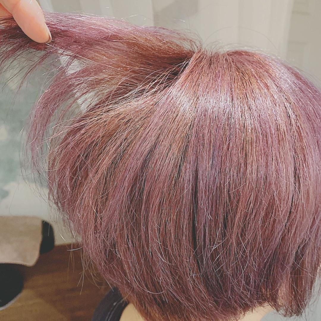 浦川 由起江さんのヘアスタイルの写真。テーマは『ピンクアッシュ、バイオレット、ケアブリーチ、プライベートサロン、nanon』