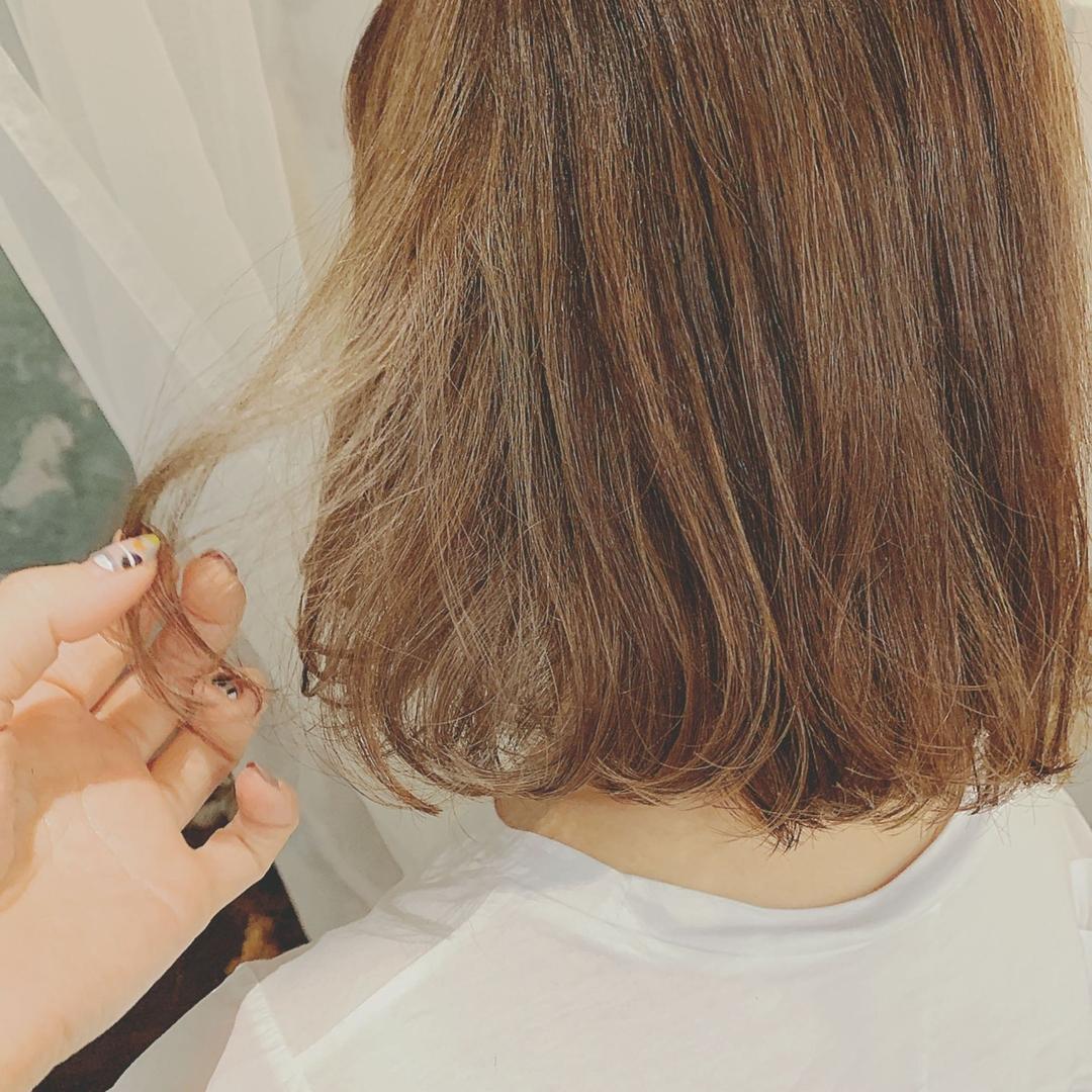 浦川 由起江さんのヘアスタイルの写真。テーマは『ハイライト、マットグレージュ、外国人風カラー、ボブ、プライベートサロン、nanon』